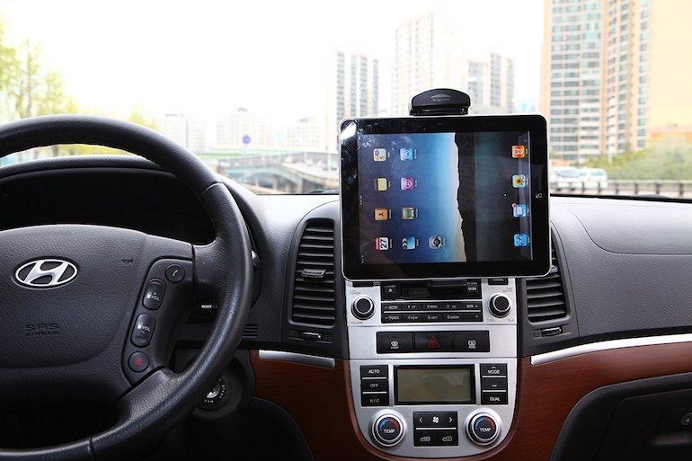 Kropsson_900_Universal_Tablet_Car_Mount