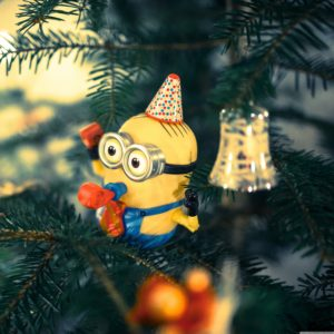 christmas_tree_minion-wallpaper-ipad-pro