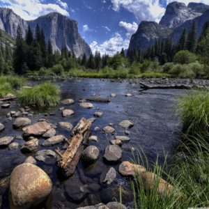 merced_river_and_yosemite_valley