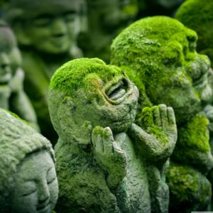 rakan_sculptures_otagi_nenbutsu_ji_buddhist_temple_japan